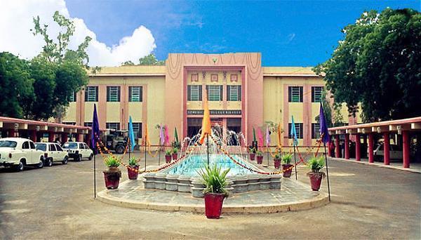 Sardar Patel Medical College, Bikaner Image