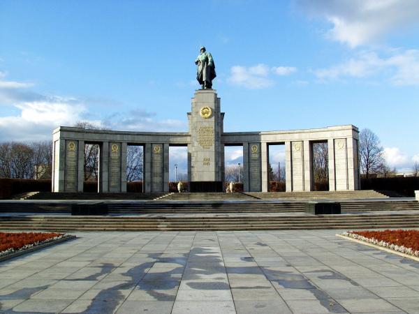 War Memorials Berlin Soviet War Memorial