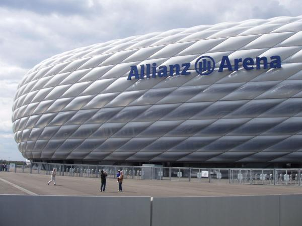 allianz arena munich. Black Bedroom Furniture Sets. Home Design Ideas