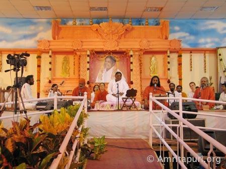 Amritha vidyalayam haripad mata amritanandamayi devi for M murali mavelikara