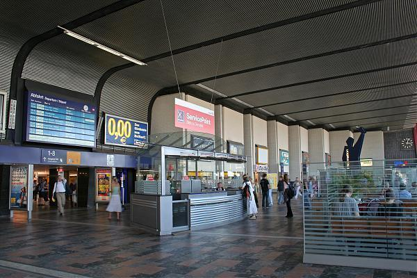 central railway station braunschweig hauptbahnhof braunschweig. Black Bedroom Furniture Sets. Home Design Ideas