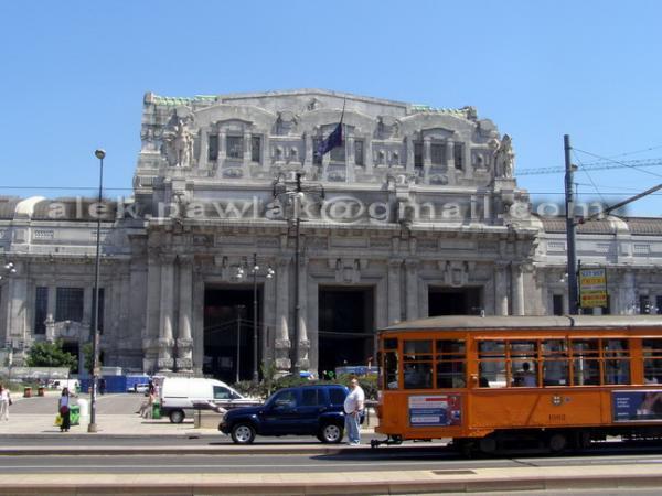 Центральный вокзал (Милан) Центральный ж.-д. вокзал Милана (итал.  Milano Centrale) является одним из крупнейших...