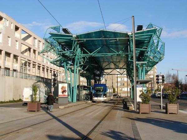 station de tram ligne b h rouville saint clair. Black Bedroom Furniture Sets. Home Design Ideas