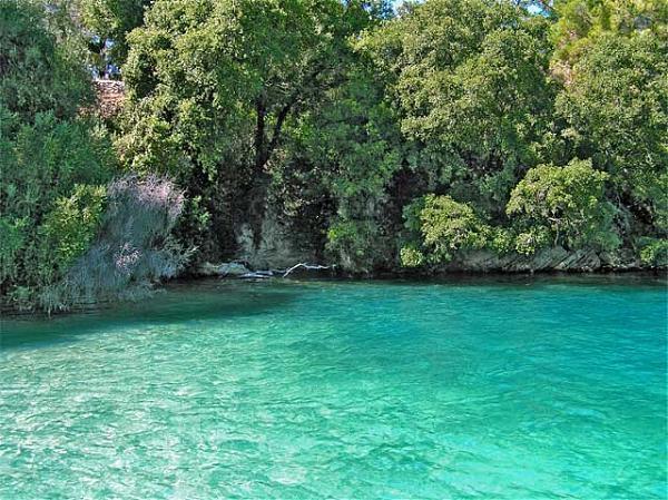 Skorpios onassis island for Alexander isola