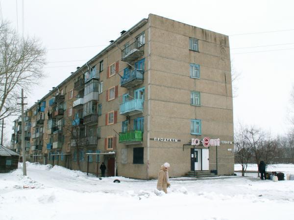многоквартирный жилой дом Добавить ...: wikimapia.org/6114662/ru/Молодёжная-ул-13