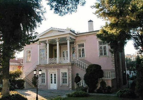 Bornova Belediyesi Atatürk Kitaplığı / Belhomme Evi , izmir