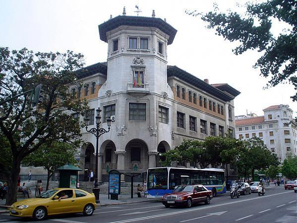 edificio de correos main post office building plaza