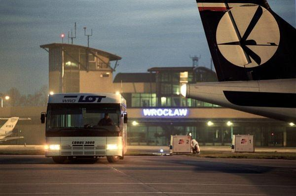 Airport Wroclaw : Terminal of wroclaw airport