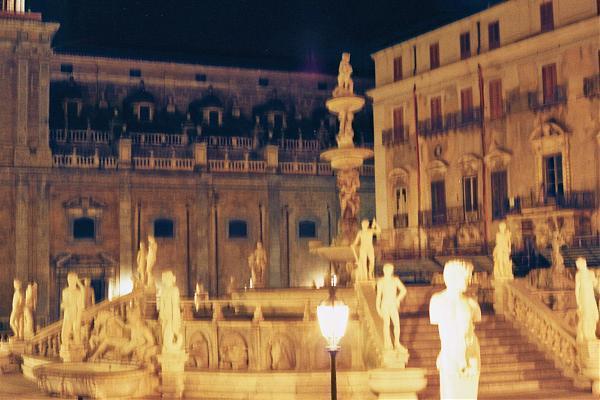 Палермо фонтан