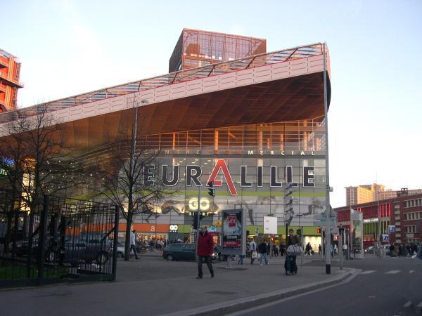 Centre commercial Euralille Lille English