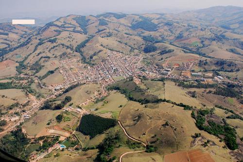 Ipuiuna Minas Gerais fonte: photos.wikimapia.org