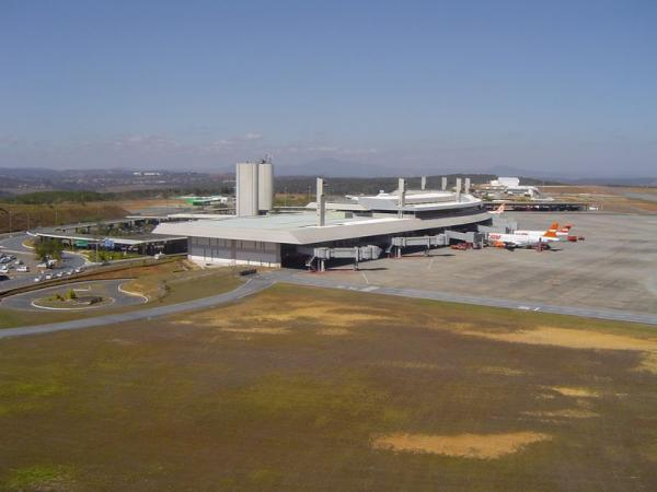 Aeroporto Tancredo Neves : Aeroporto internacional tancredo neves confins bh