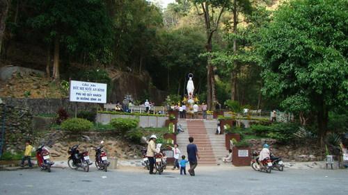 Hành Hương Linh Đài Đức Mẹ Suối An Bình