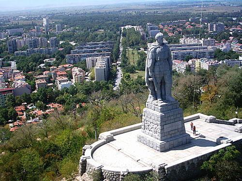 Стоит над горою Алёша - Болгарии русский солдат Пловдив