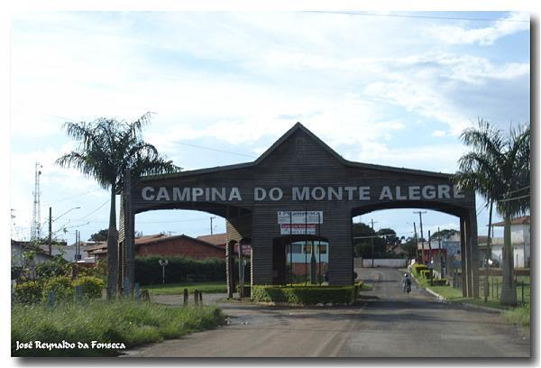 Campina do Monte Alegre São Paulo fonte: photos.wikimapia.org