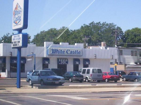 Founded in , White Castle is a family-owned, privately held chain of over fast-food restaurants in nearly 10 U.S. states. The chain s restaurants serve a range of burgers, sandwiches and side dishes. Its restaurants provide frozen cheeseburgers and hamburgers. White Castle also offers recipe books.6/10(75).