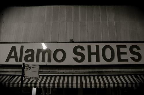 Alamo Shoe Store Clark Chicago