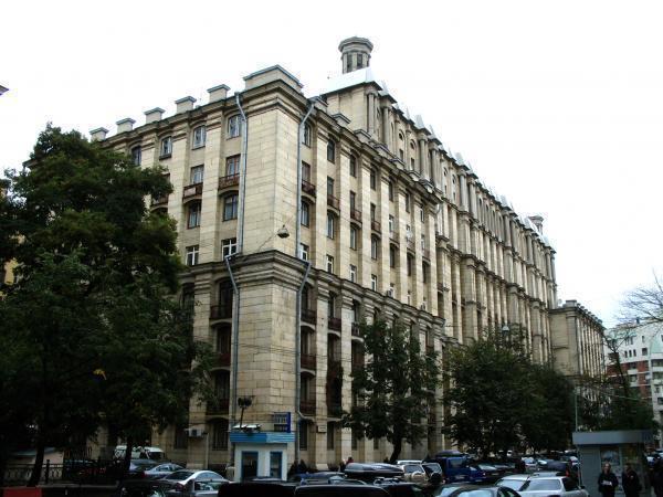 5 декабря 2013 г. - круглый стол «Популярная лингвистика: новая волна» в РГГУ