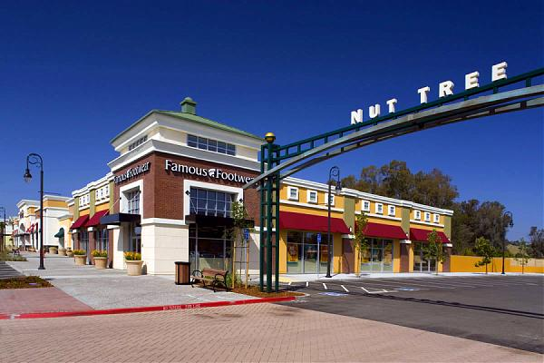 Vacaville Premium Outlets is a beautiful outdoor shopping property in Northern California, boasting stores including Banana Republic, bestkapper.tk, Kate Spade, Michael Kors, and Nike. As one of the areas largest shopping destinations, Vacaville Premium Outlets serves the nearby communities of San Francisco, Napa Valley, and Sacramento/5().