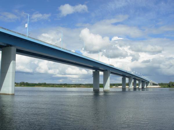 Юбилейный мост через Волгу