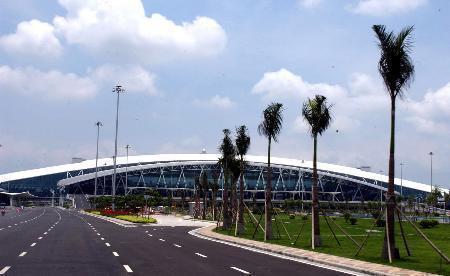 Resultado de imagem para Aeroporto Internacional Baiyun de Guangzhou
