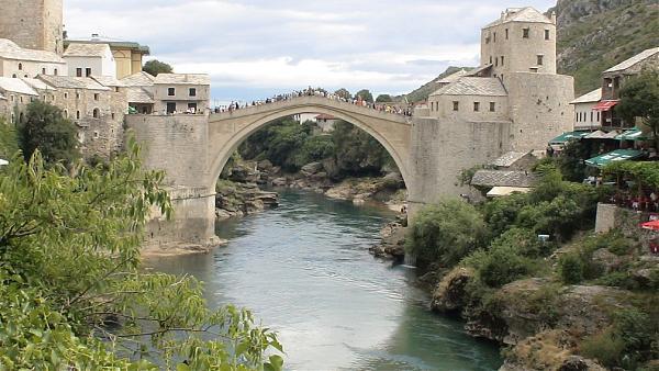 Most Stari ou l'arche de Mostar  dans Archéologie 99_big