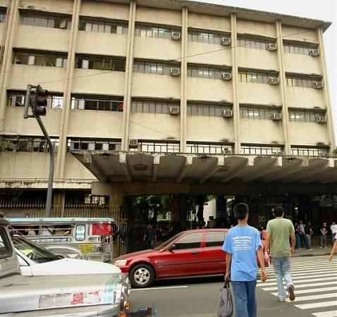 Hi wat are requirements to get into jose rizal university in philippines?