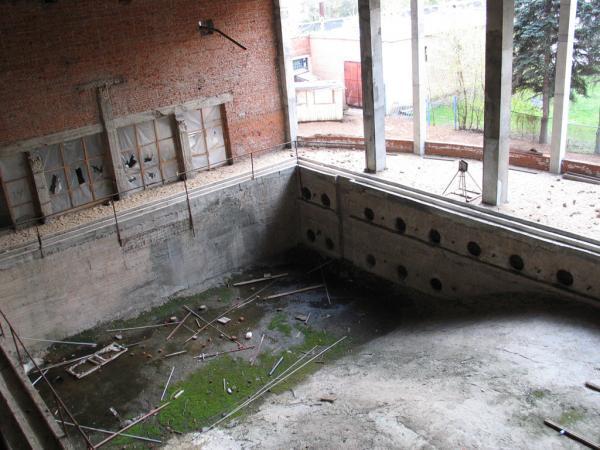Плавательный бассейн на лодочной