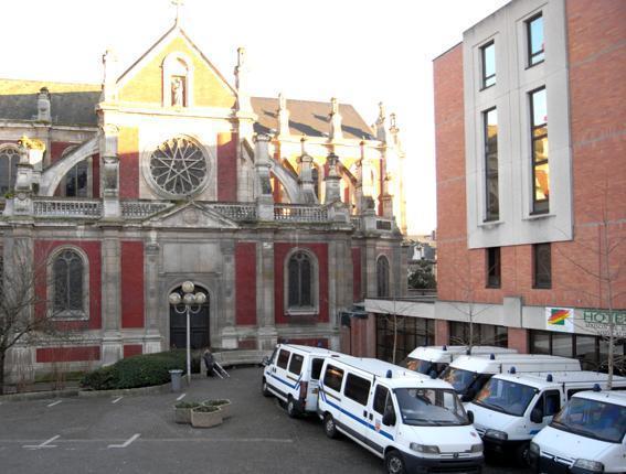 Centre commercial st sever rouen les for Hotel design rouen