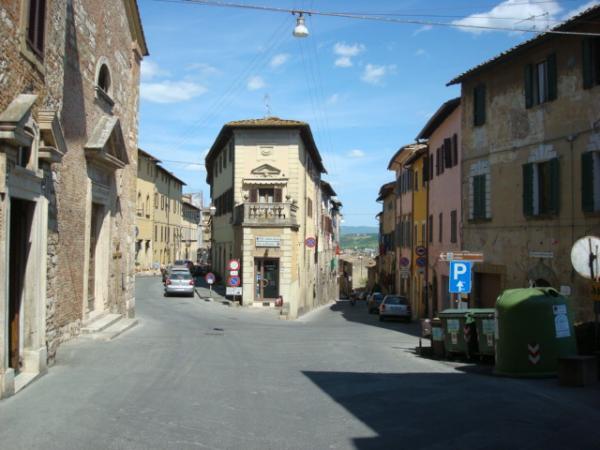 Centro storico di colle di val d 39 elsa for Gr2 arredamenti colle val d elsa