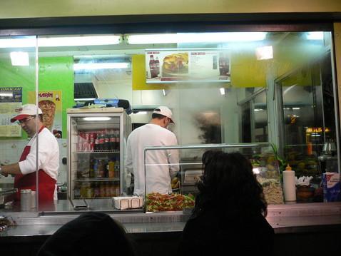 mustafas gem se kebab berlin kiosk shawarma doner kebab gyros en. Black Bedroom Furniture Sets. Home Design Ideas