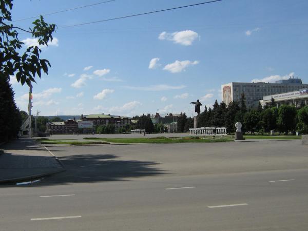 Театральная площадь саратов
