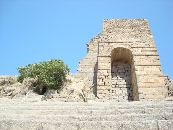 Akrapol dünyanın en dik tiyatrosu , izmir