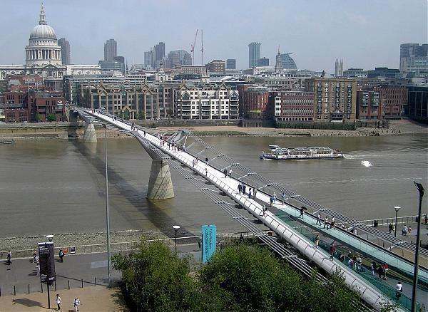 Millennium Bridge (Fußgängerbrücke) - London