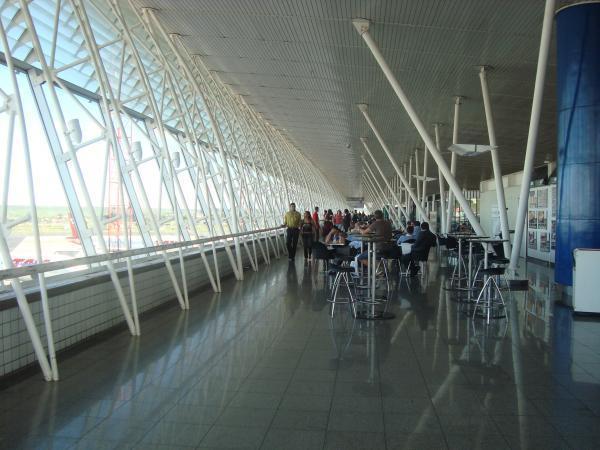 Aeroporto Juscelino Kubitschek : Terminal do aeroporto internacional de brasília