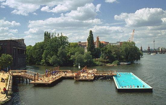badeschiff swimming swimmingpool berlin. Black Bedroom Furniture Sets. Home Design Ideas