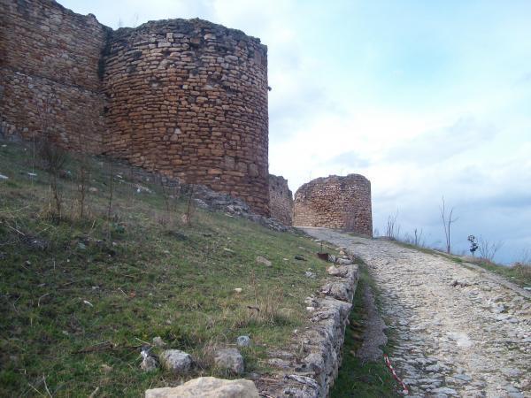 Διαμόρφωση των πεζοδρόμων στο Κάστρο του Καλέ στο Διδυμότειχο