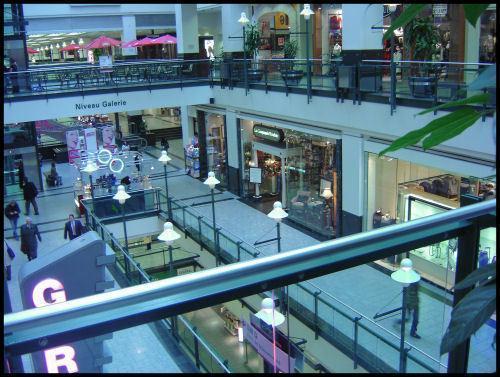 Calforex montreal eaton centre