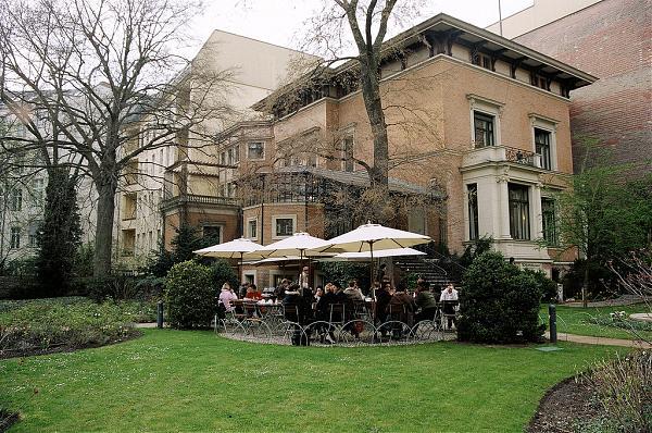 cafe wintergarten im literaturhaus fasanenstrasse 23 charlottenburg berlin. Black Bedroom Furniture Sets. Home Design Ideas