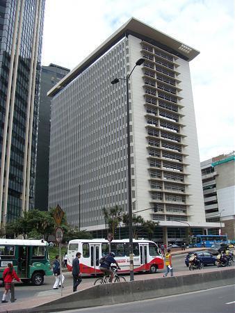 Torres bancolombia bogot for Oficinas bancolombia cali