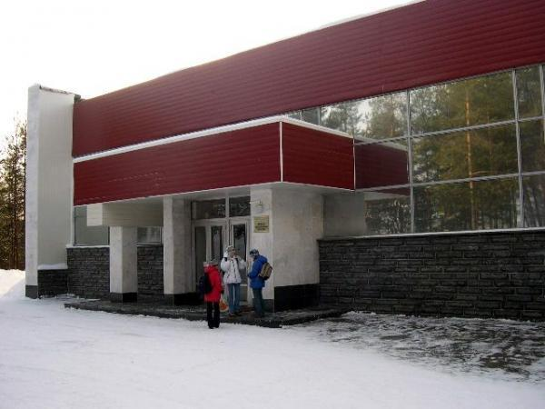 Polyarnye Zori).  Swimming pool.
