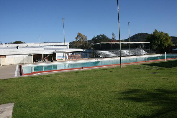 stanthorpe swimming pool
