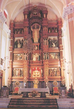 Altertavlen i basilikaen San Juan de Ávila med Johannes' skrin