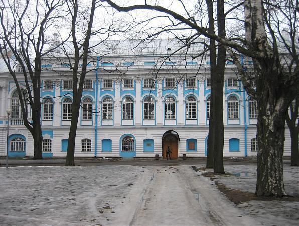 Факультет международные отношения (дневное отделе