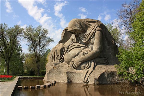 Монумент «Скорбящая мать» - Волгоград мамаев курган высота