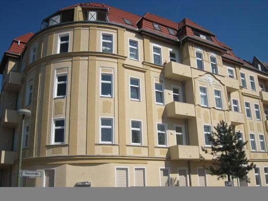 Mehrfamilienhaus glanzstra e 7 berlin for Mehrfamilienhaus berlin