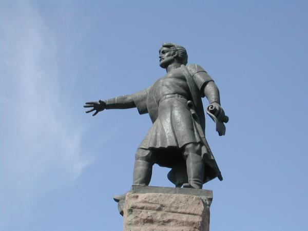 памятник основателю Красноярска Андрею Дубенскому