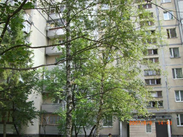 В киеве 9 этажный панельный жилой дом
