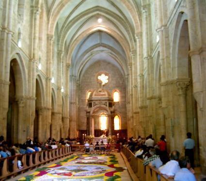 Abbazia cistercense di casamari for Casa di architettura gotica