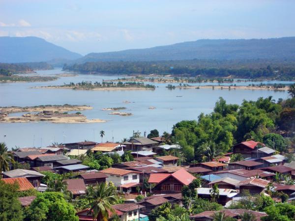 Wat Tham Khuha Sawan (วัดภ้ำคูหาสวรรค์)